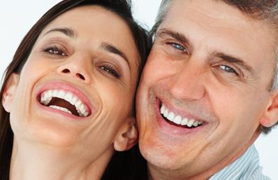 Otbeliwajuschtschi die Creme der Zähne
